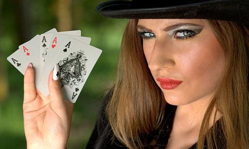 5 asiantuntijan vinkkiä parantaaksesi pokeritaitojasi Pidä pöytää silmällä - 5 asiantuntijan vinkkiä parantaaksesi pokeritaitojasi