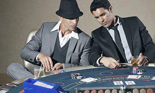 5 asiantuntijan vinkkiä parantaaksesi pokeritaitojasi Tiedä milloin hämätä - 5 asiantuntijan vinkkiä parantaaksesi pokeritaitojasi