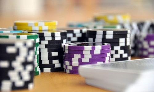 5 asiantuntijan vinkkiä parantaaksesi pokeritaitojasi Valitse pelit strategisesti - 5 asiantuntijan vinkkiä parantaaksesi pokeritaitojasi